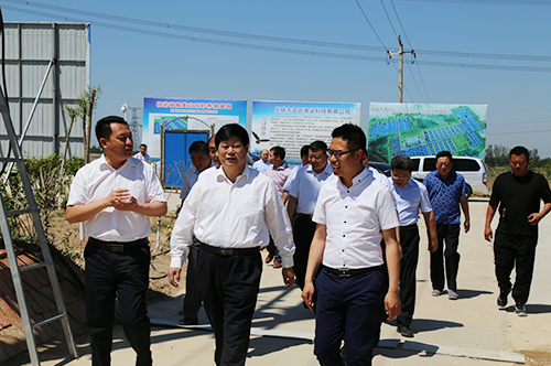 省扶贫办领导莅临指导县城创业项目